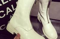 秋冬必备的显高 显瘦 显气质小白短靴