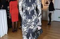 印花连衣裙搭配 选一条印花裙子迎接秋日