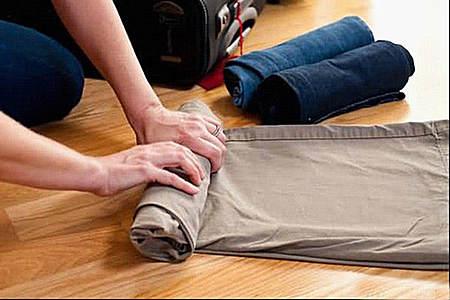 怎么打包衣服能最大节省行李箱空间?