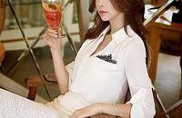 经典白色衬衫时尚百搭 个性与时尚并存