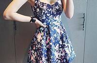 穿出清新小性感 简约吊带裙