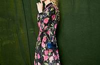 风情优雅的印花连衣裙,高贵华丽