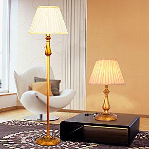 欧式风格的落地灯,灯光可以自由调节,颜色也很大气奢华哦.图片
