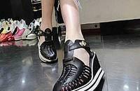 松糕鞋也能穿出大美丽