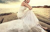 纯白蕾丝婚纱 打造童话新娘