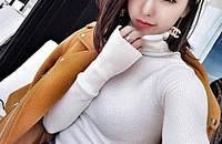 温暖毛衣,以白色打造冬日优雅风格