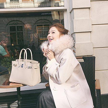 暖冬定制 超大绝美真毛领牛角扣大衣
