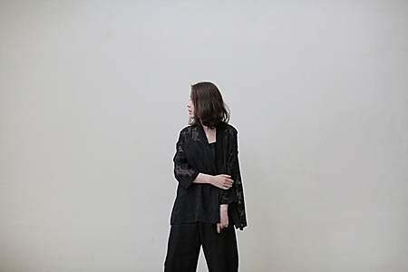 小众 日式 黑花镂空 和服开衫 外套