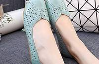 妈妈凉鞋真皮平跟中老年女鞋防滑牛筋软底老人鞋