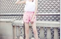 欧美时尚立体蝴蝶结无袖T恤+高腰钉钻短裤两件套