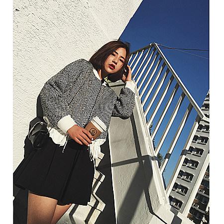黑白斜纹短款外套