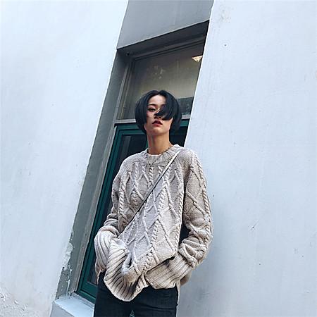 高领麻花粗针毛衣
