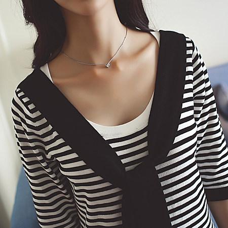 学院风圆领系带条纹针织连衣裙