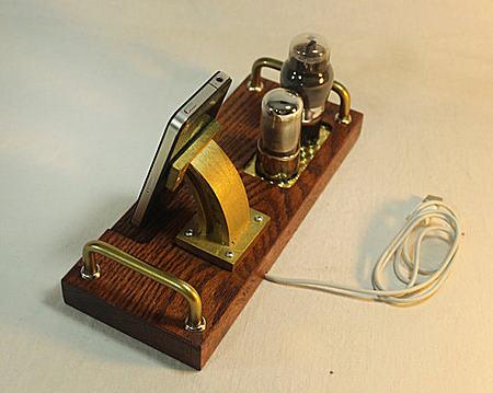 Select㊣ 手作蒸汽朋克充电器同步苹果橡木支架