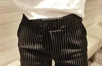 超百搭超顯瘦豎條紋假紐扣 彈力修身短褲