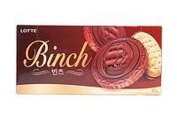 乐天Binch宾驰巧克力夹心饼干。
