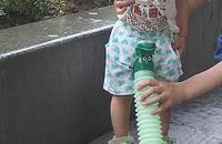 可折叠便携式儿童尿壶