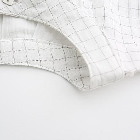 小方扣复古领格子衬衫