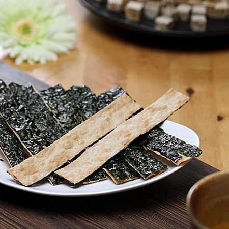 台湾 脆妮妮海苔脆片 海苔鱼片16g 酥脆爽口