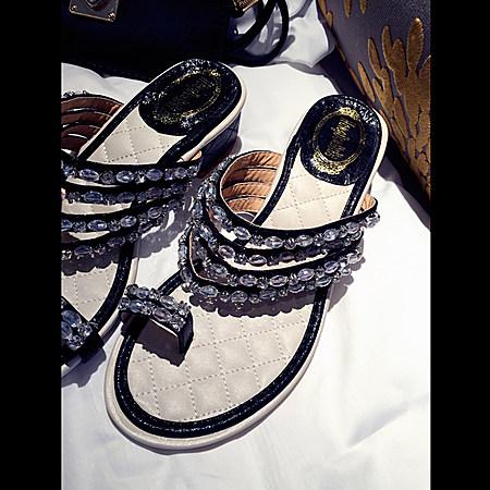 钉珠钻钻低跟沙滩潮拖鞋
