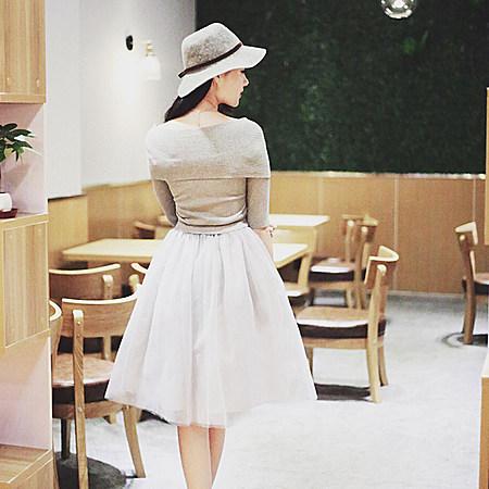 一字领露肩公主裙网纱拼接假两件套针织连衣裙