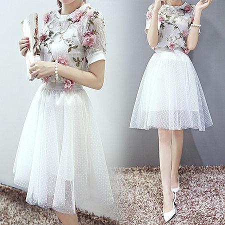 短袖共花朵蕾丝欧根纱三件套连衣裙中长款