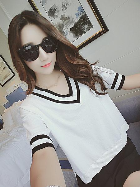 黑白条纹双层V领显瘦宽松针织衫女