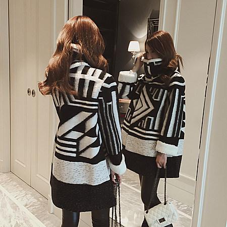黑白几何加厚A字款大衣