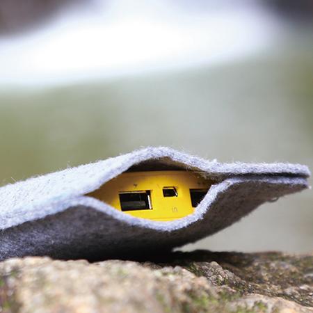 超萌小黄人正品充电宝 移动电源可爱的礼物