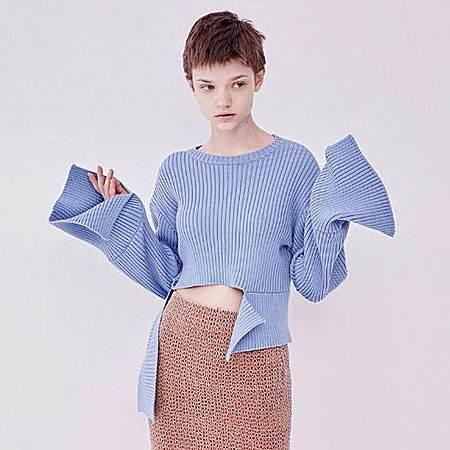 造型剪裁羊毛衫