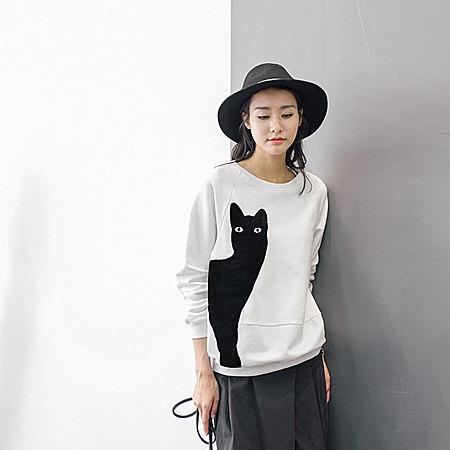猫咪图案印花卫衣