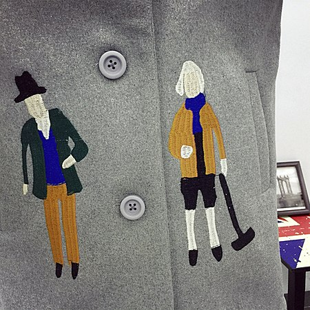 双11BWBB2017新款女卡通人加厚毛呢外套中长款