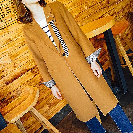 时尚复古呢子大衣