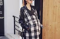 时尚孕妈 宽松系带翻领长袖格子中长款风衣