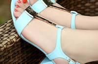 新款中跟女凉鞋罗马性感鱼嘴粗跟大码学生凉鞋